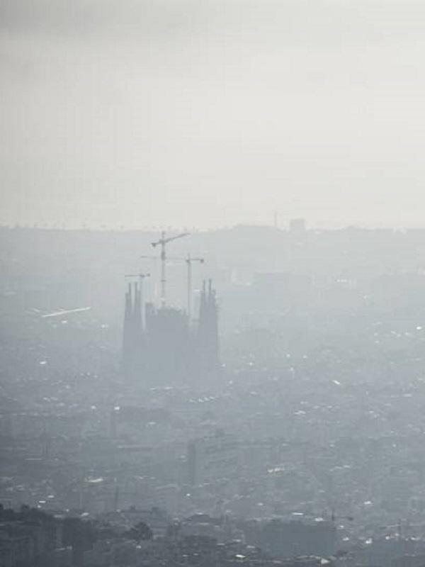 Barcelona se salva de momento de las multas europeas por la mala calidad del aire