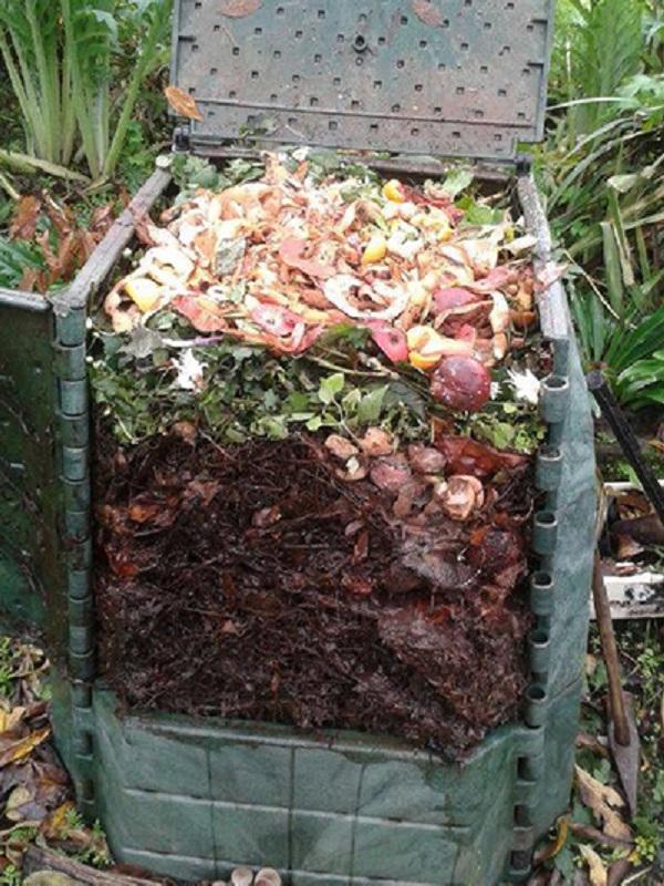 Ourense amplía su programa de compostaje doméstico y alcanza los 300 compostadores repartidos