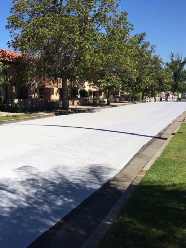 Tecnología verde para crear pavimentos reflectantes para evitar el efecto isla de calor en las ciudades