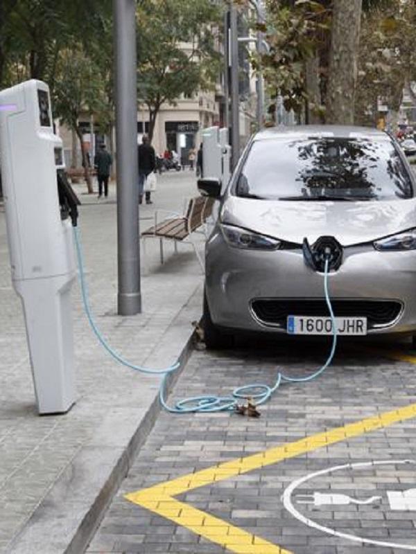 La Comunidad Valenciana apuesta decididamente por los puntos de recarga para vehículos eléctricos