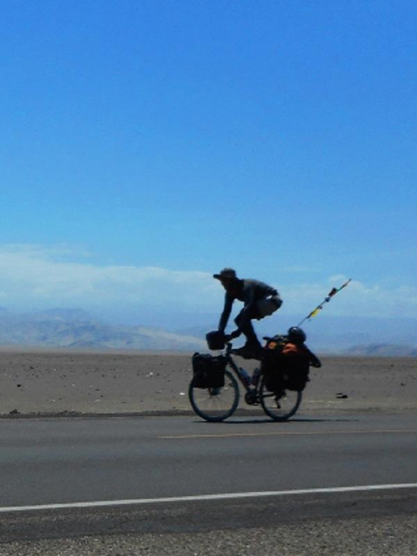 De Alaska a la Patagonia en bicicleta para clamar por la lucha contra el cambio climático