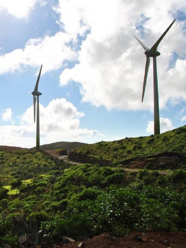 Choque de trenes entre las energías renovables y la conservación del patrimonio natural en Baleares