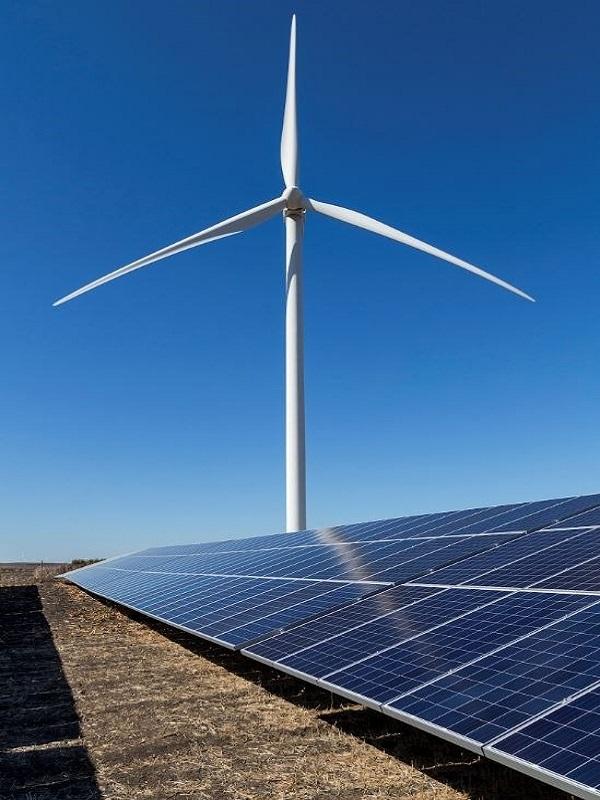 La Junta de Andalucía agiliza la tramitación de los proyectos de energías renovables