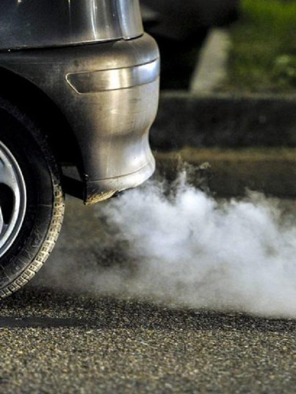Nissan reduce las emisiones de CO2 de sus coches