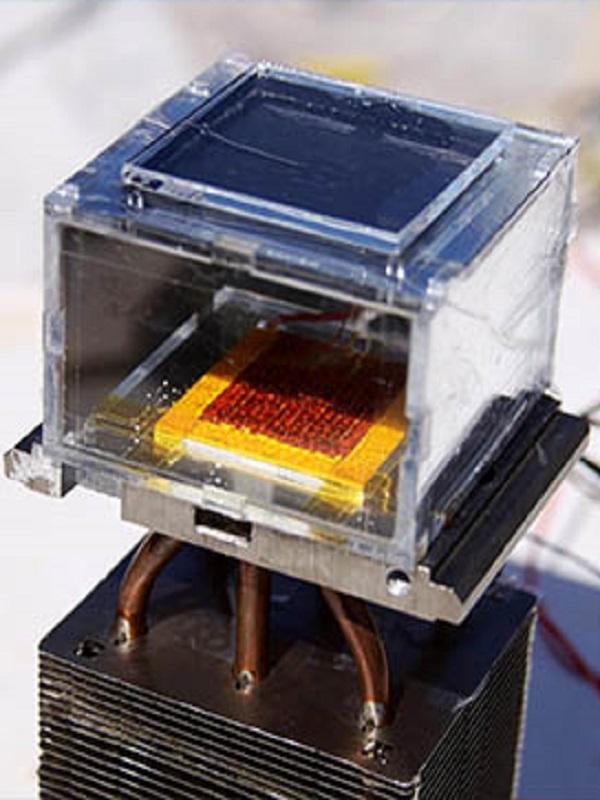 Tecnología verde, innovador material metalorgánico obtiene agua del aire en el desierto
