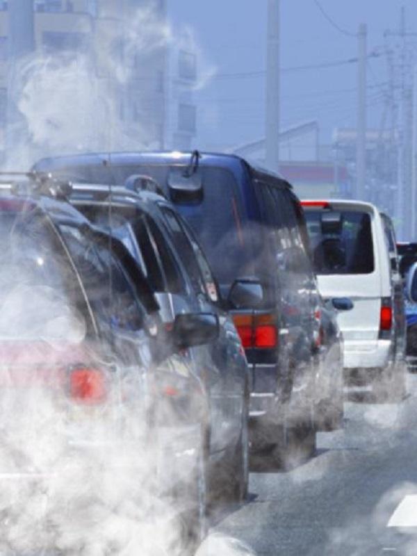 Exigen a la DGT que revise a fondo las etiquetas de emisiones contaminantes de los vehículos