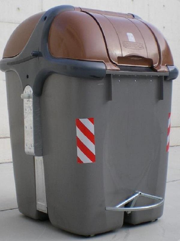 Sevilla entregará 15.000 tarjetas electrónicas a vecinos para poder usar los contenedores de biorresiduos
