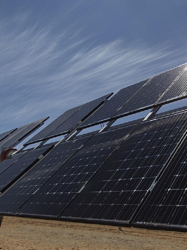 Los seguidores solares bifaciales de un solo eje, una de las novedades en Genera 2018