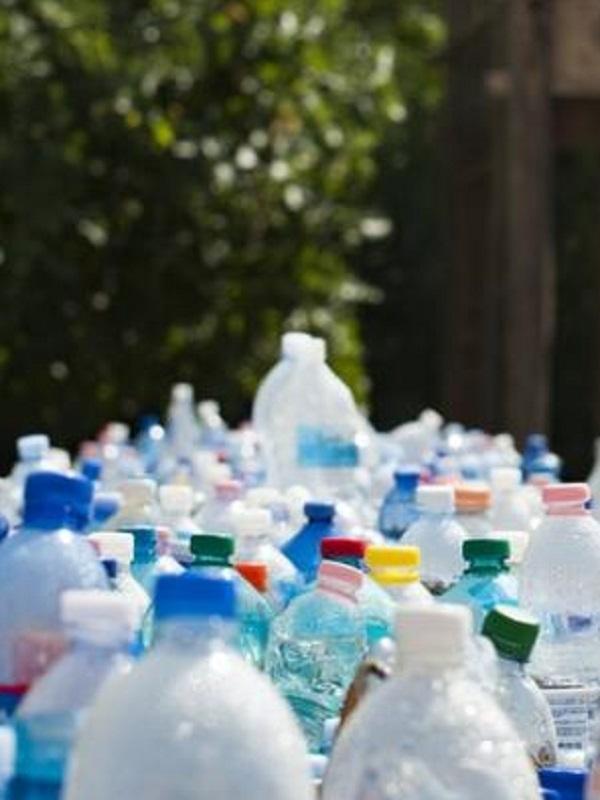 El PSOE pide al Ayuntamiento de Málaga medidas para reducir el uso del plástico y fomentar su reciclaje