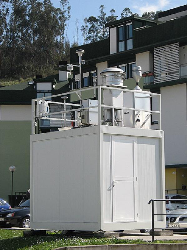 El Síndic insta a revisar la ubicación y actualizar las estaciones de medición de calidad del aire