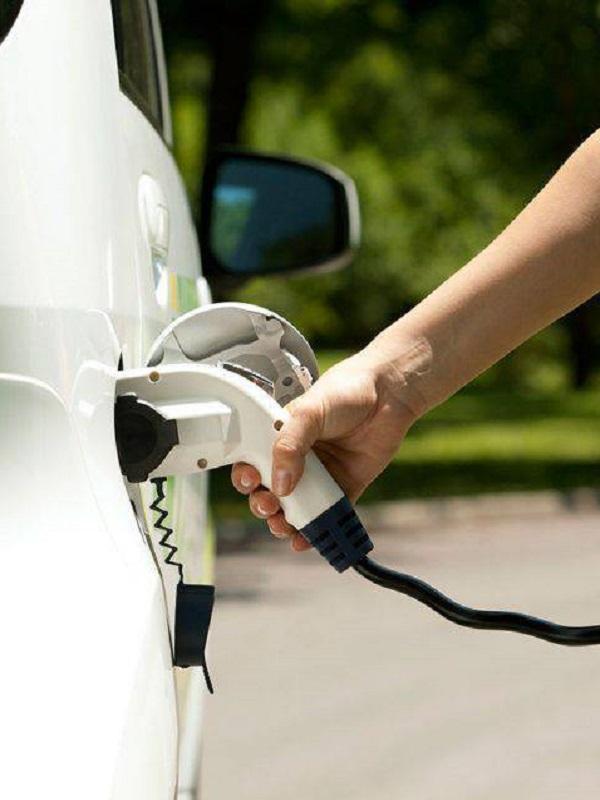 Magna producirá en China hasta 180.000 vehículos eléctricos al año a partir de 2020