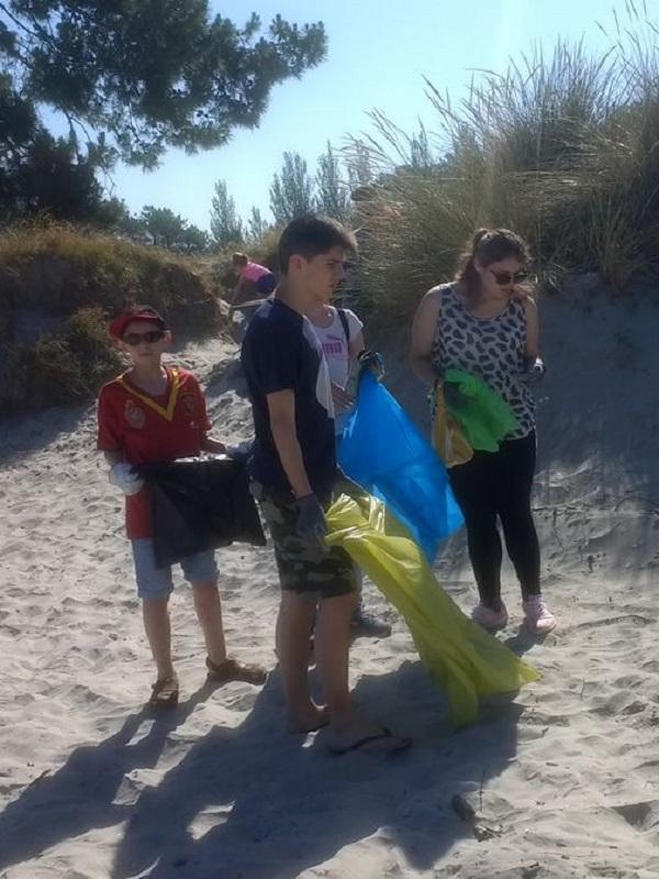 Más de 500 voluntarios participaron en la limpieza de basura 25 espacios de Galicia