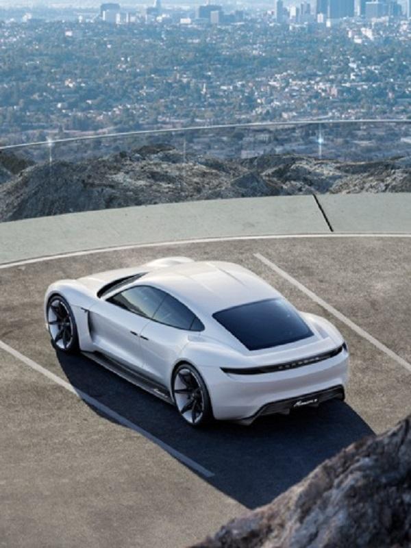 Porsche compra un 10% de la firma croata de tecnología y coches deportivos eléctricos Rimac
