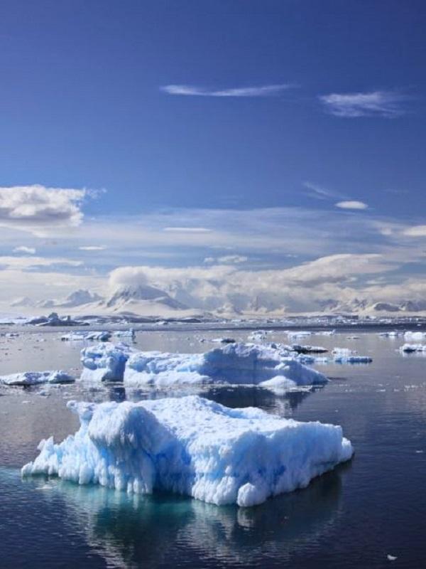 Actividad volcánica bajo el glaciar antártico más grande e inestable