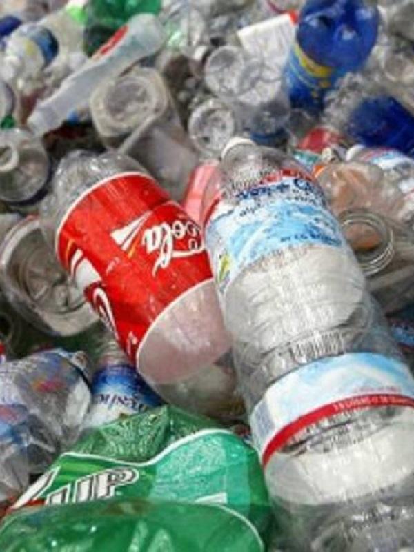 El gesto de consumidores riojanos de productos de limpieza a granel consigue ahorrar 38.000 envases en cuatro años