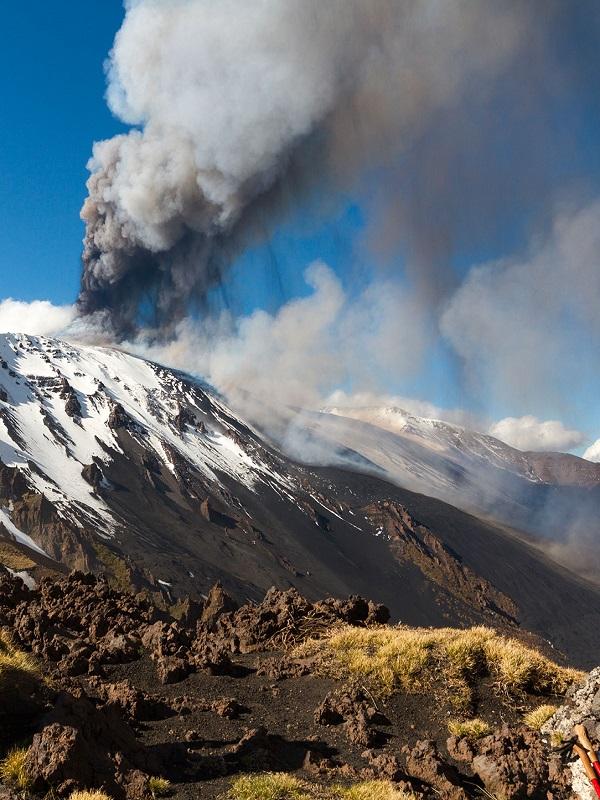 El vulcanismo moderno se enraiza en los primeros tiempos de la Tierra