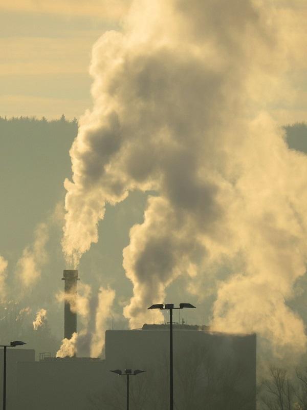 CO2. A la elevada contaminación de partículas ayer se sumaron los óxidos de nitrógeno en Gijon