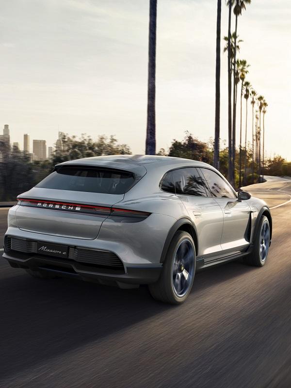 Porsche eléctrico Mission E Cross Turismo