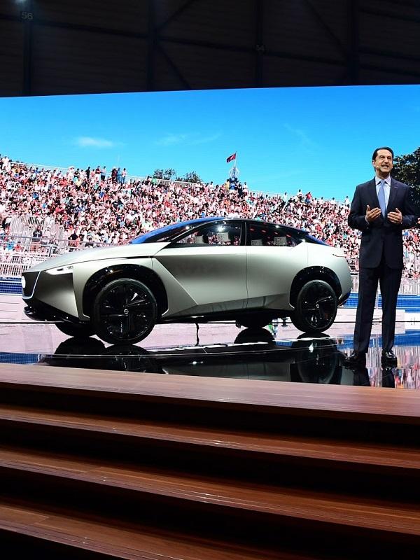 Nissan pisa el acelerador para impulsar sus coches eléctricos