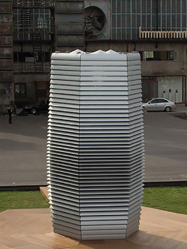 Tecnología verde en mobiliario urbano que limpia el aire de CO2 y partículas