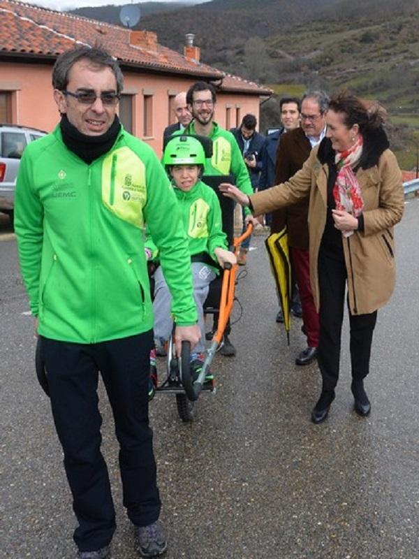 Castilla y León impulsa la accesibilidad a las cimas de montaña con el proyecto de deporte adaptado 'Cumbres para Todos'