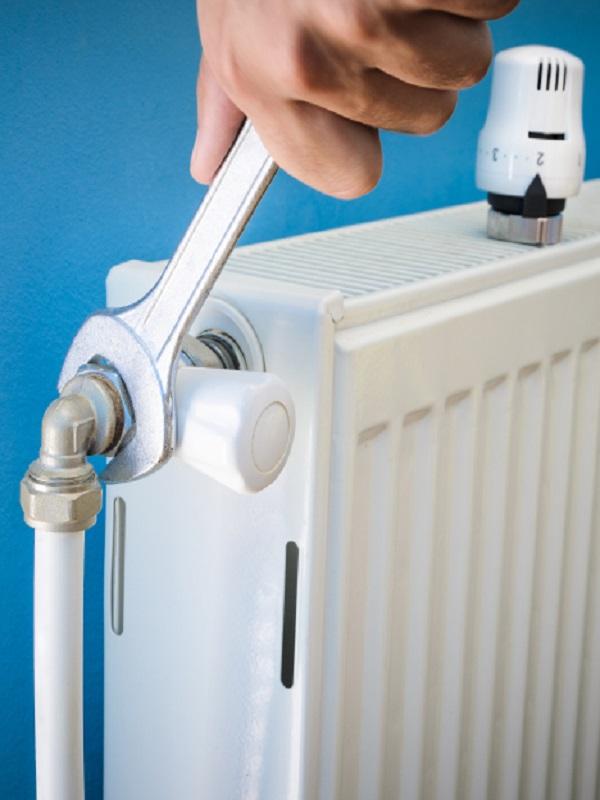 Pamplona implementa en diversos bloques de viviendas calefacción eficiente