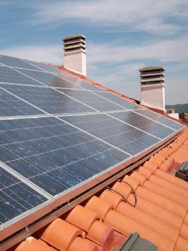 Unidos Podemos en pro del autoconsumo de energía solar