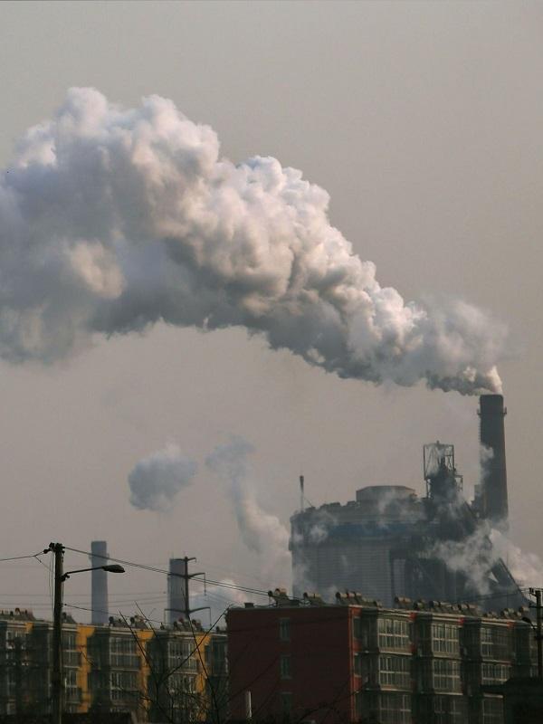 Hoy por la mañana diluviando se disparo el cancerígeno benceno un 750% en Oviedo