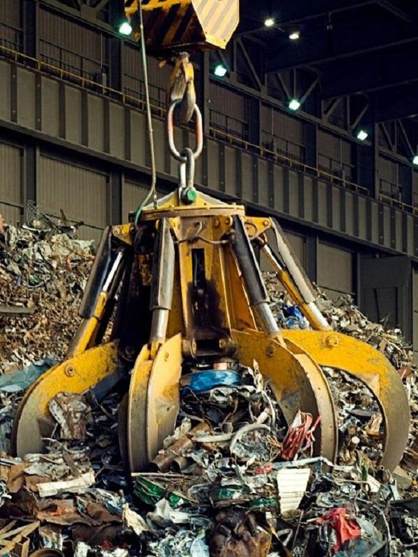 Reciclaje. Debemos evitar la extracción de materias primas vírgenes dada la preocupante escasez de las mismas