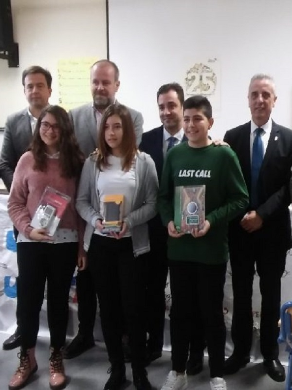 Andalucía entrega kits de energías verdes a sus escolares