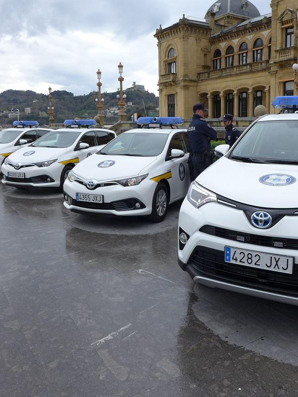 La Policía municipal de San Sebastián incorpora coches híbridos