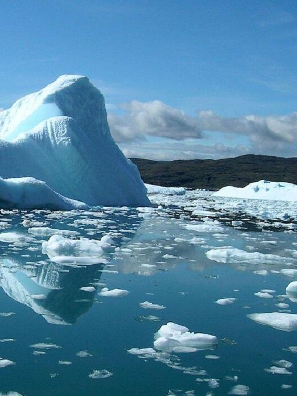 El viento cálido derrite el hielo en la Antártida también en invierno