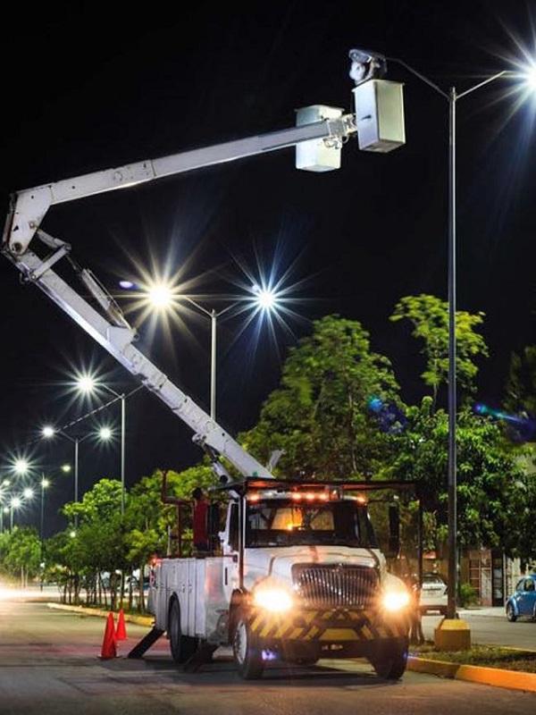 Zaragoza sustituirá casi 1.400 luminarias obsoletas por otras LED