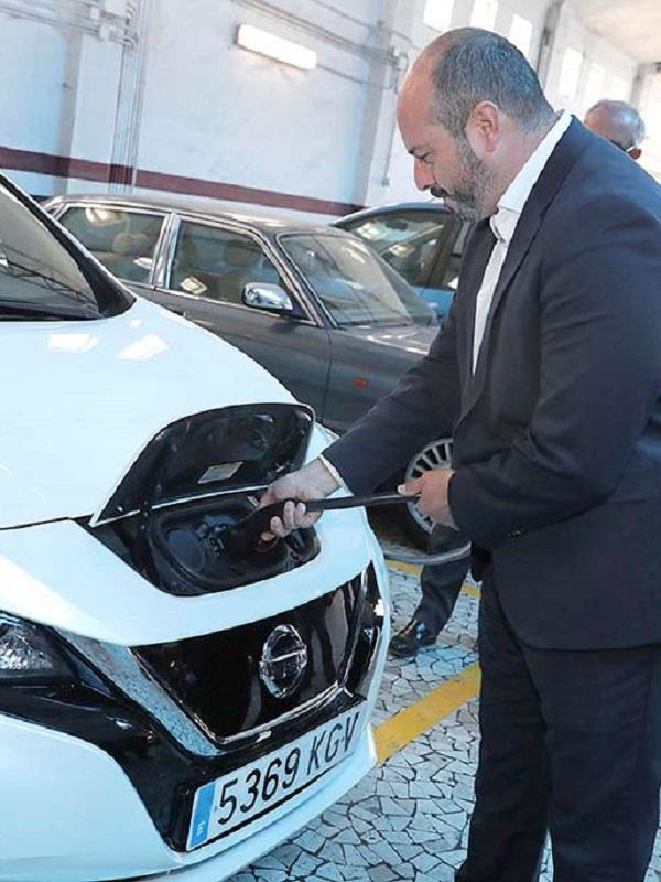 Los hoteles madrileños dan el paso e instalarán puntos de recarga para coches eléctricos