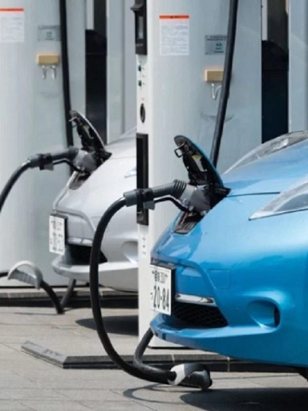 IU propone un plan de ayudas a la compra de coches eléctricos