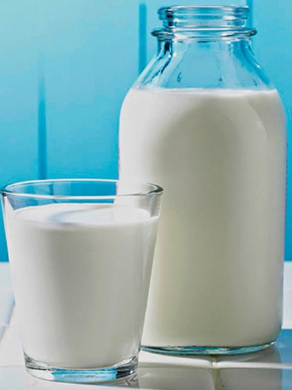 La leche de vaca no engorda a tu hijo y es muy saludable