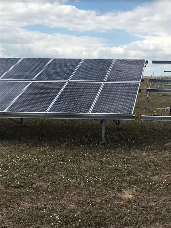 Colocan la primera piedra de la primera central fotovoltaica de financiación privada, sin ningún tipo de subvención pública