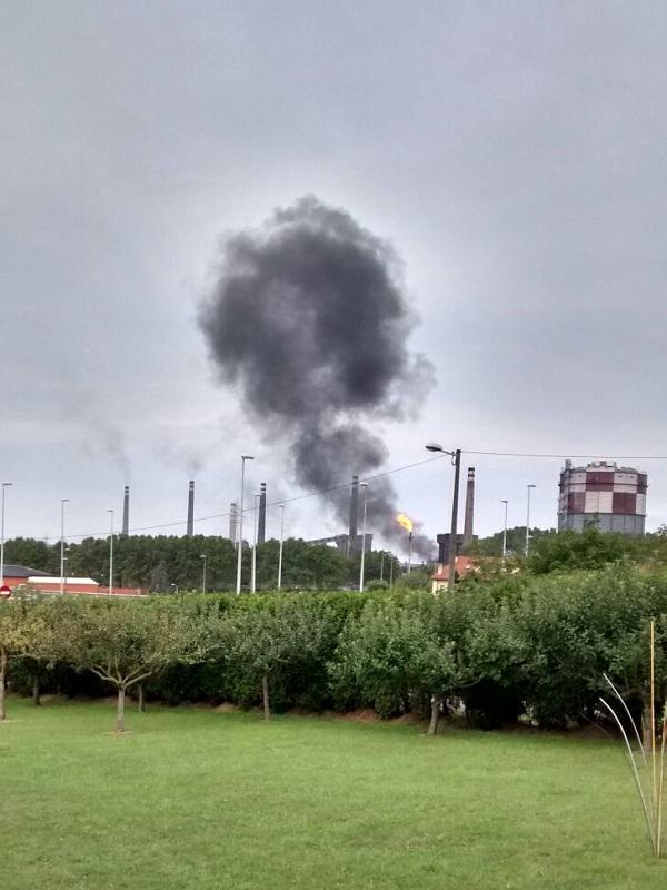 Este domingo hasta lloviendo subio la contaminación un 390% de Oeste a Este de Gijón