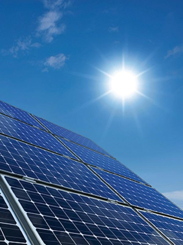 Macquarie invierte 67 millones de euros para refinanciar una cartera de activos solares en España