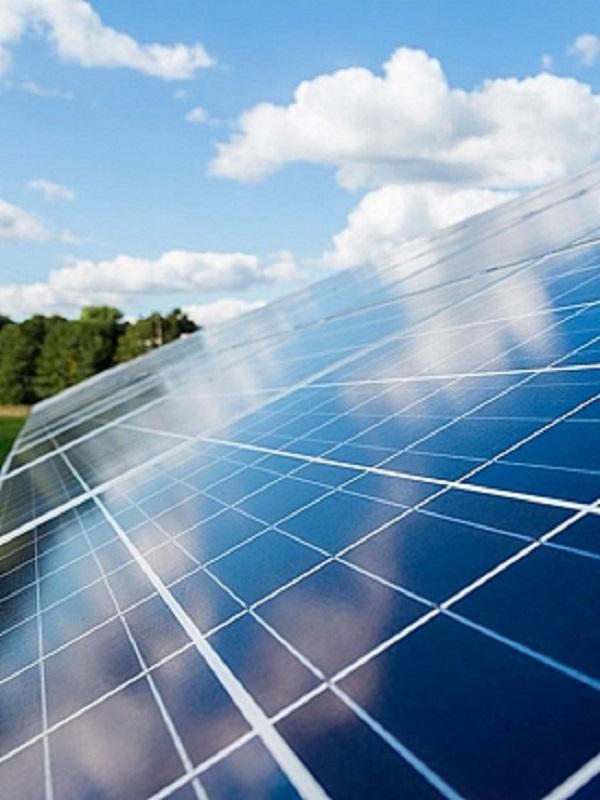 """70.000 millones de euros va a invertir el sector fotovoltaico para alcanzar los objetivos del """"Acuerdo de Paris"""""""