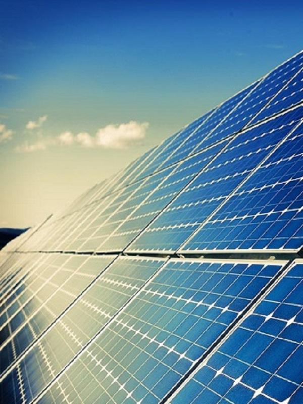 Estratosféricas inversiones en energía fotovoltaica en Extremadura