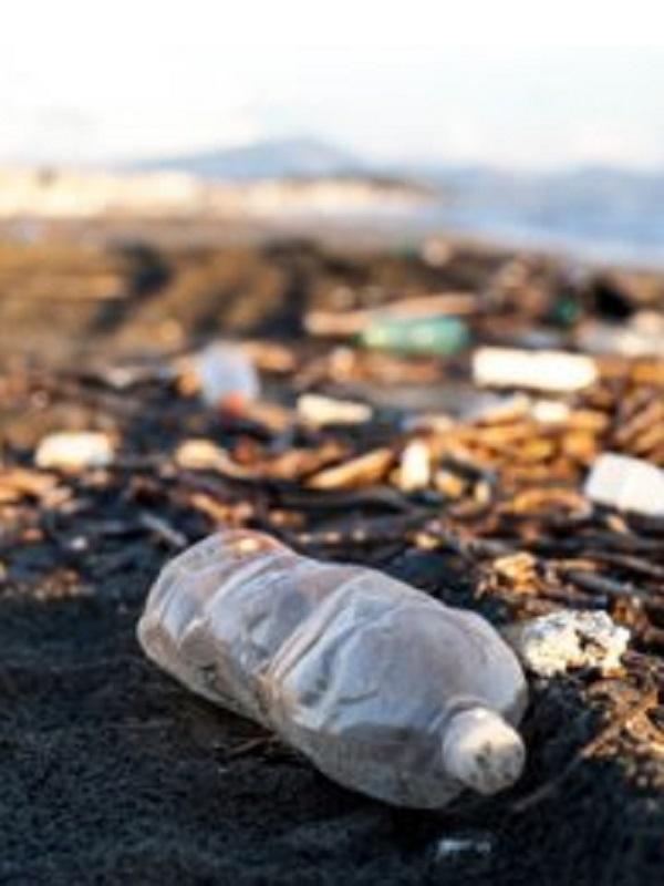 El litoral de los municipios de Vinaròs y Benicarló (Castellón) atiborrados de residuos
