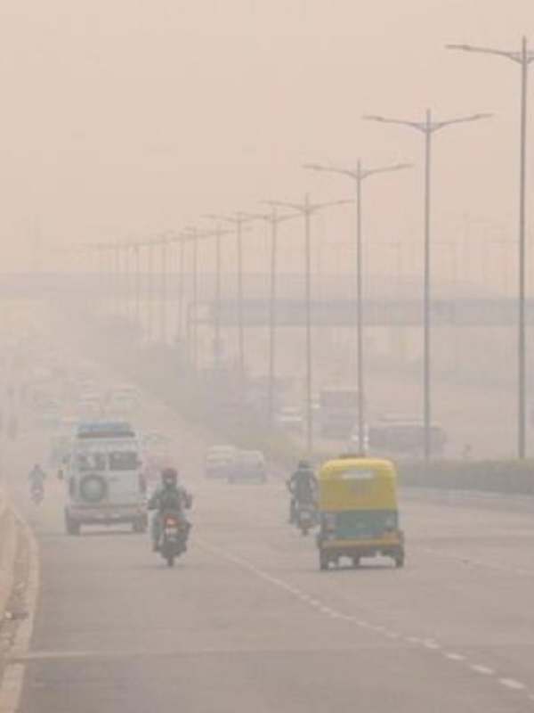 La contaminación se dispara en Nueva Delhi por el uso masivo de artefactos pirotécnicos