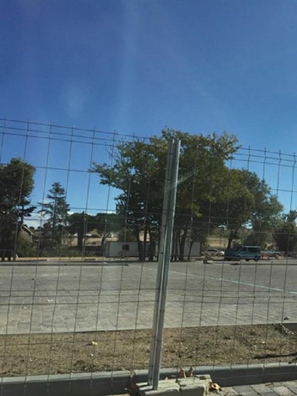 Denuncian al Ayuntamiento de Boadilla por construir un aparcamiento sobre una vía pecuaria