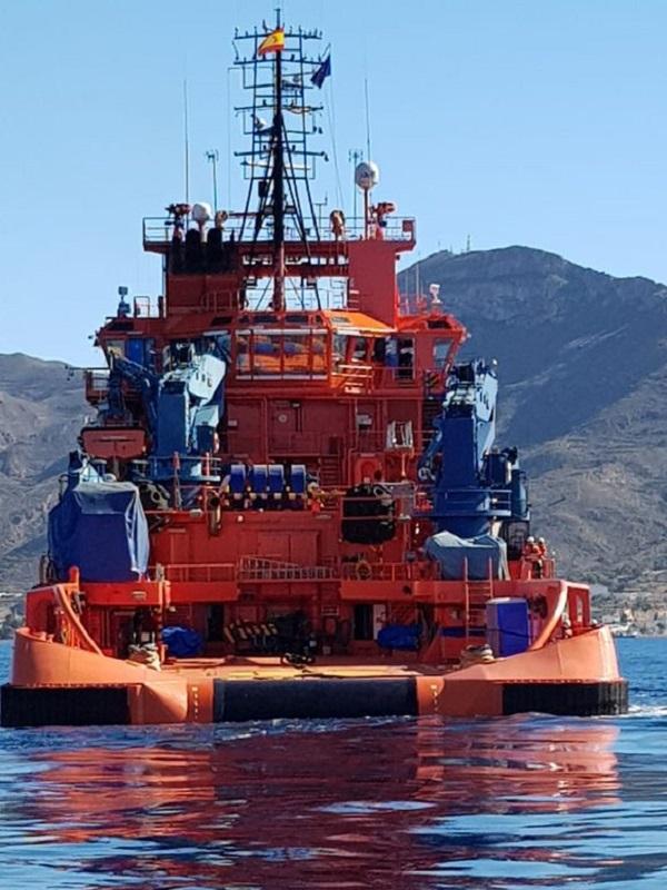 Desarrollado con éxito un simulacro de lucha contra la contaminación marina accidental en la mar y en la playa de La Azohía