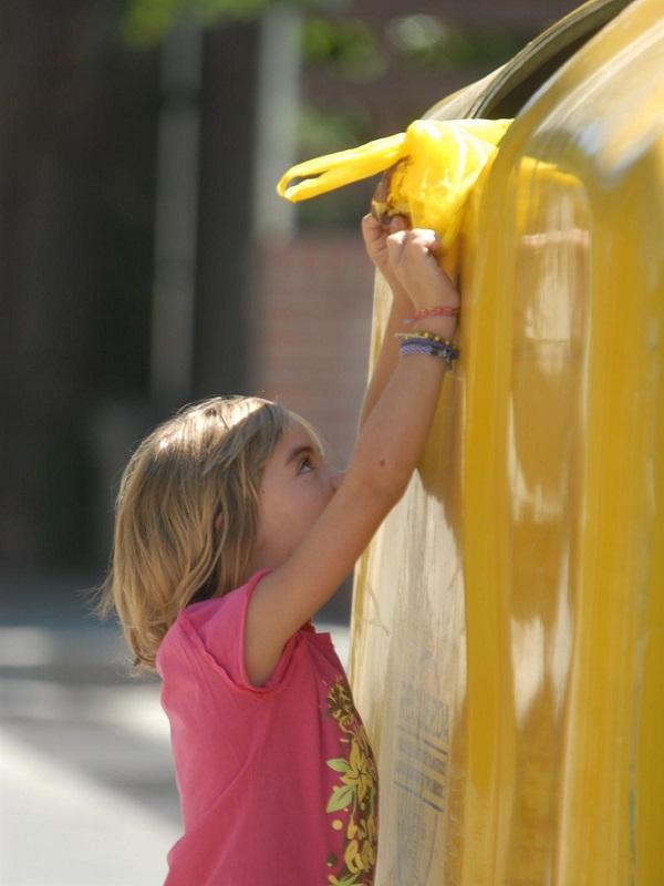 Cada ciudadano de Baleares reciclará en el contenedor amarillo un 9,4% más que el año pasado, según Ecoembes