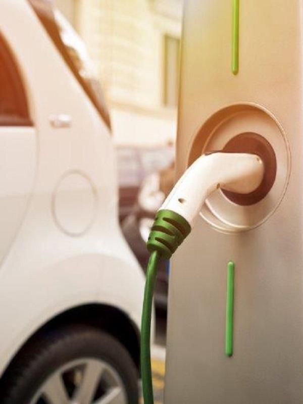 Diecisiete municipios se informan sobre puntos de recarga de coches eléctricos promovidos por al Diputación de Badajoz