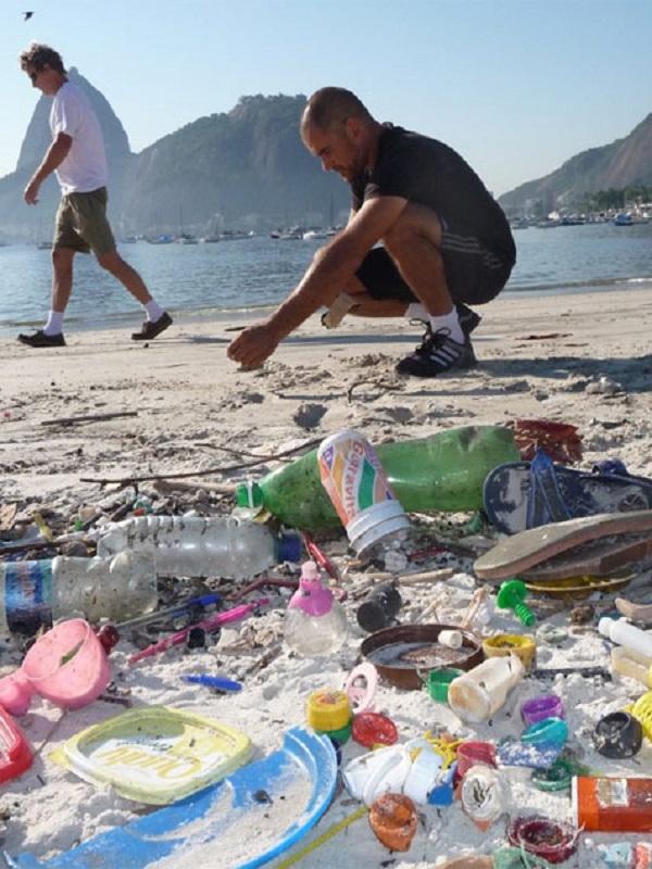 """""""Per un mar sense plàstic"""" llegará hasta Madrid para sensibilizar sobre el problema de los productos plásticos de un solo uso más abandonados"""