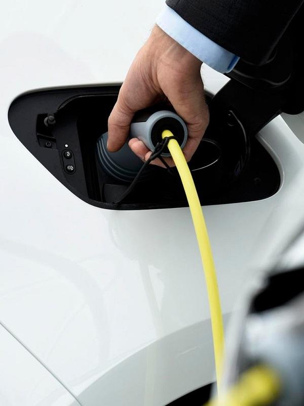 Las plantas españolas están en 'pañales' en cuanto a la fabricación de coches eléctricos