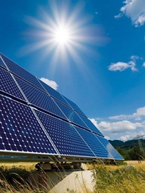 Bruselas autoriza a Francia a invertir 600 millones en instalaciones solares innovadoras